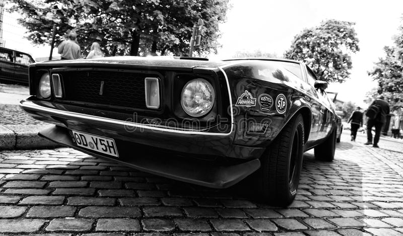 Bil Ford Mustang Mach 1 arkivfoto