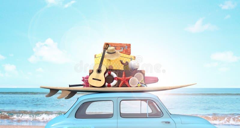 Bil med bagage på taket som är klart för sommarsemester arkivbilder