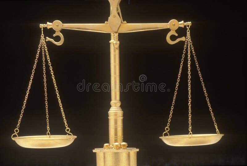 Bilancia della giustizia, rappresentando i sistemi giudiziari e le corti degli Stati Uniti immagine stock libera da diritti