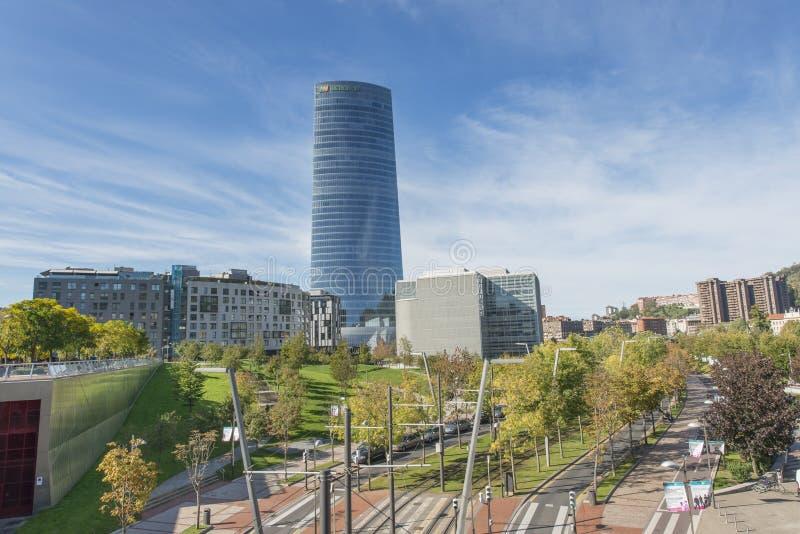 Bilbao baskiskt land, Spanien, oktober 30: Iberdrola torn arkivbilder