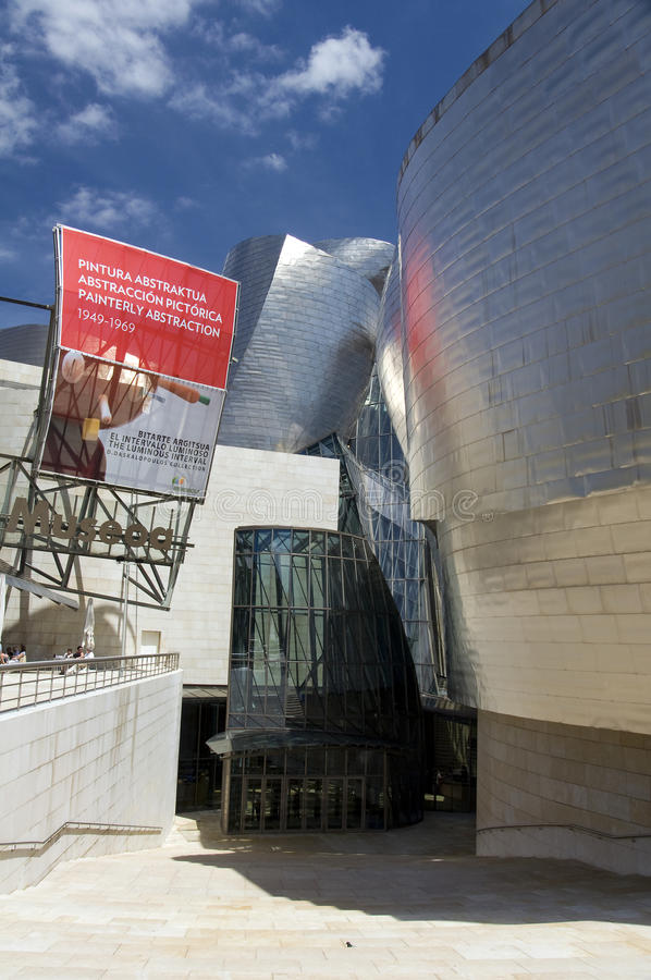 Download Bilbao, Entry To Guggenheim Museum Editorial Photo - Image: 21700886