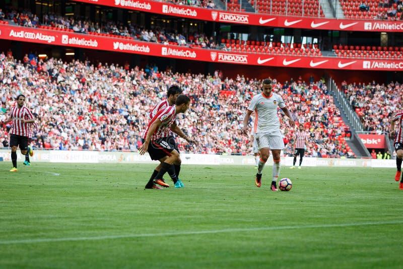 BILBAO, ESPAÑA - 18 DE SEPTIEMBRE: Rodrigo Moreno, jugador del Valencia CF, en la acción durante el partido entre el Athletic de  imagen de archivo libre de regalías