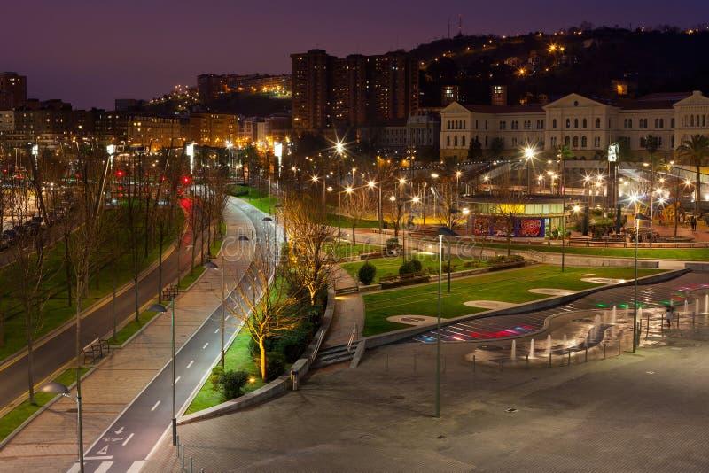 Bilbao, pays Basque, paysage urbain de l'Espagne la nuit photos stock