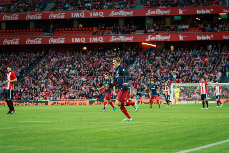 BILBAO, SPAGNA - 20 APRILE: Fernando Torres nella partita fra l'Athletic Bilbao e Athletico de Madrid, celebrata il 20 aprile, 20 immagine stock libera da diritti