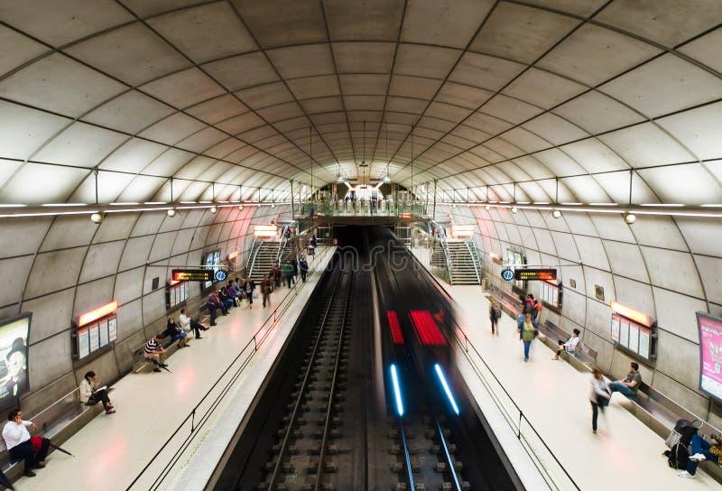 Stazione della metropolitana di Moyua a Bilbao, Spagna immagine stock