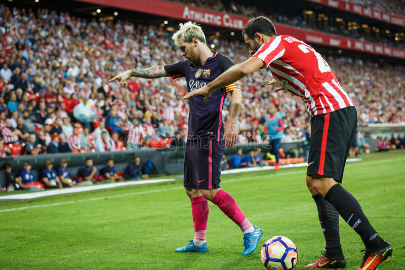 BILBAO, SPANIEN - 28. AUGUST: Leo Messi-, FC- Barcelonaspieler und Mikel Balenziaga, Bilbao-Spieler, im Match zwischen athletisch lizenzfreies stockfoto