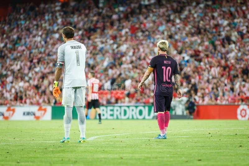 BILBAO, SPANIEN - 28. AUGUST: Lionel Messi-, FC- Barcelonaspieler und Gorka Iraizoz, Bilbao-Spieler, im Match zwischen athletisch lizenzfreies stockfoto