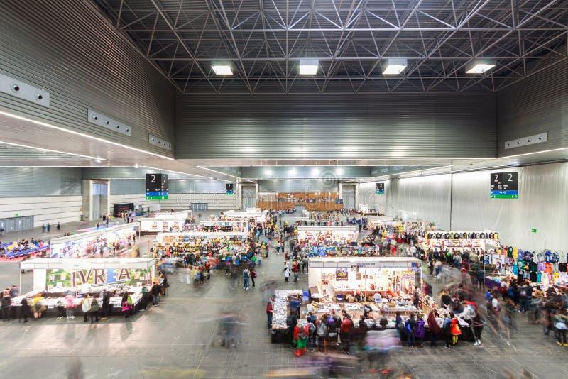 BILBAO, SPANIEN - 27. FEBRUAR: Panoramisch vom Pavillon, wo gefeiert vom III Japan Wochenende Bilbao, am 27. Februar gefeiert stockfotos
