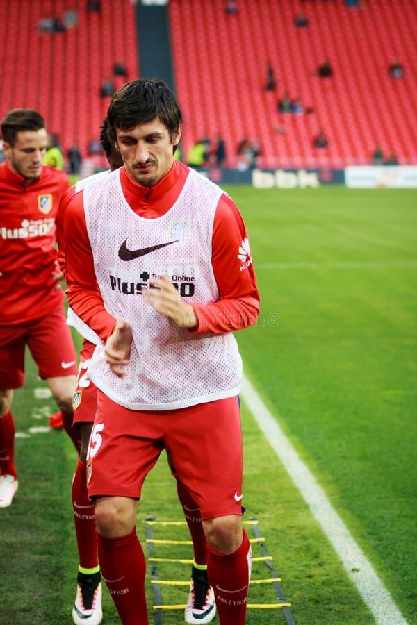 BILBAO, SPANJE - APRIL 20: Stefan Savic vóór de gelijke tussen Atletische die Bilbao en Athletico DE Madrid, op 20 April, 2 wordt stock afbeelding