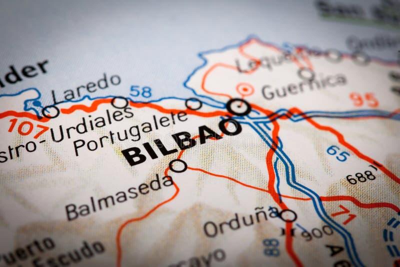Bilbao sur une carte de route images stock