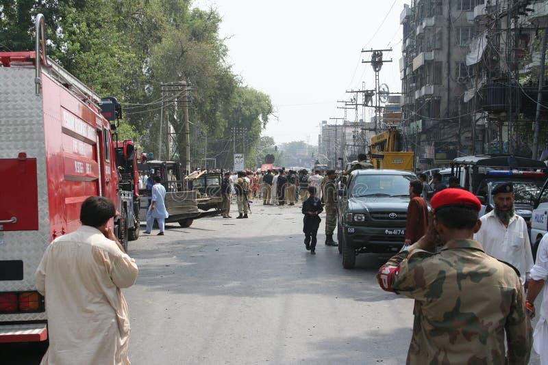 Bilbombning i Peshawar Pakistan fotografering för bildbyråer