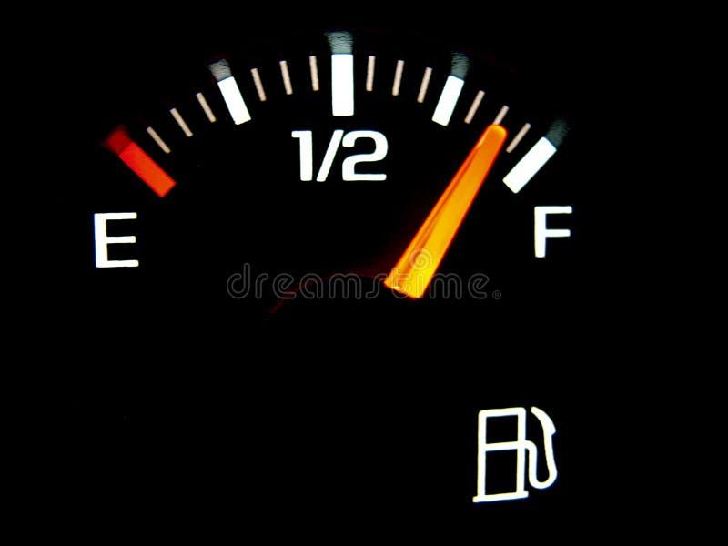 bilbränslegauge arkivfoton