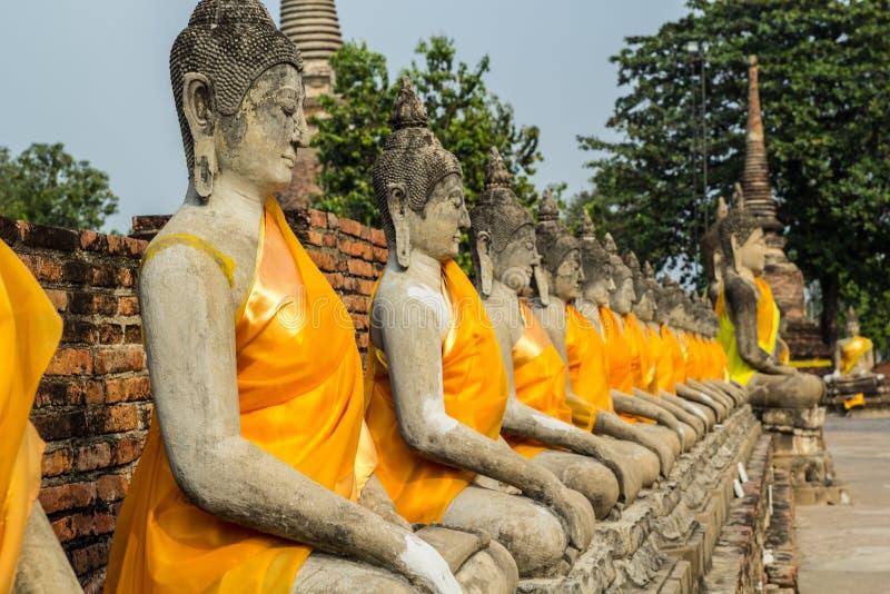 Bild av Buddha på Ayutthaya royaltyfri fotografi