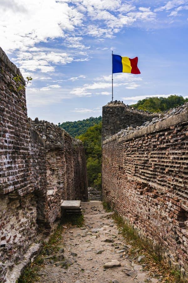 Bild av den Poienari fästningen - också kallad fristad för Dracula ` s royaltyfri foto