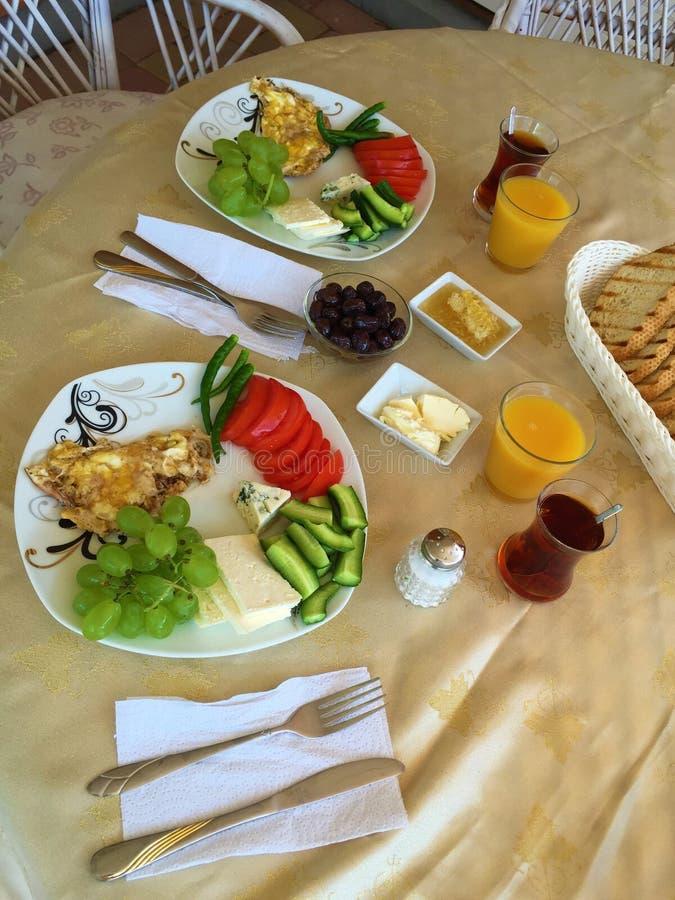 Bild av den traditionella turkiska frukosten arkivfoto