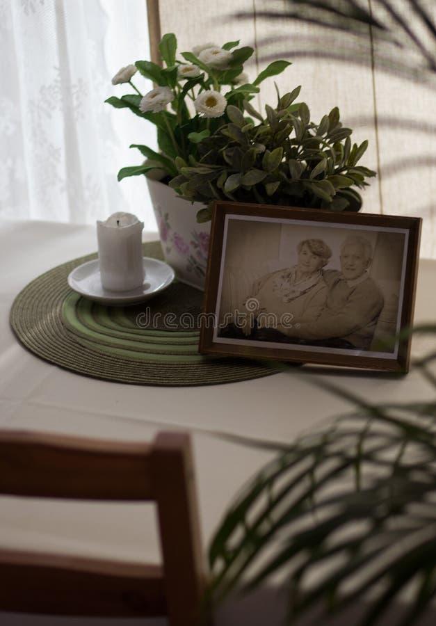 Bild av farmodern och farfadern royaltyfri foto
