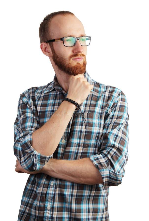 Bild av mannen med det röda skägget i att posera för exponeringsglas som isoleras på vit royaltyfri fotografi