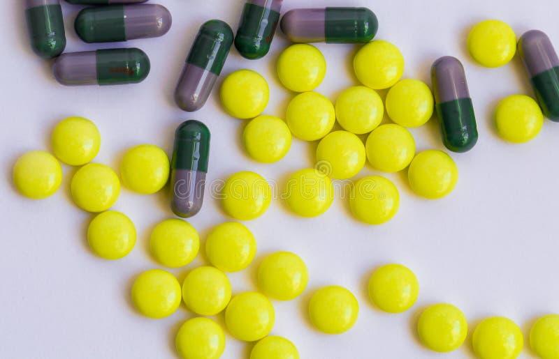 Bild av preventivpillerar royaltyfri fotografi