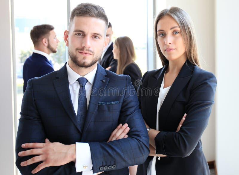Bild av två affärspartners royaltyfria bilder
