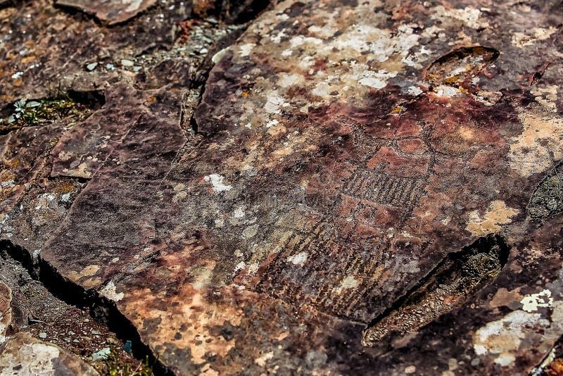 Bild der alten Jagd auf der Wand der Höhle ockerhaltig Historische Kunst arch?ologie stockfotos