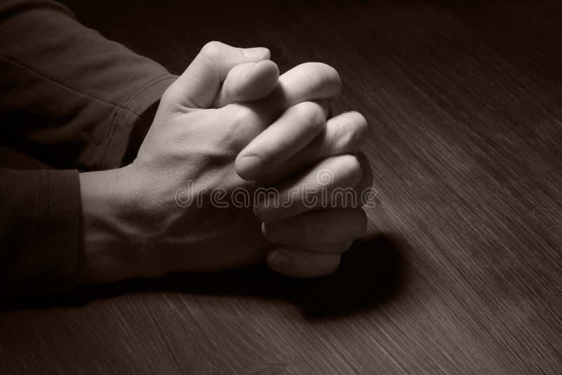 Bild der betenden Hände stockfotos