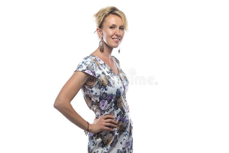 Bild der Frau im bunten Kleid stockfotos