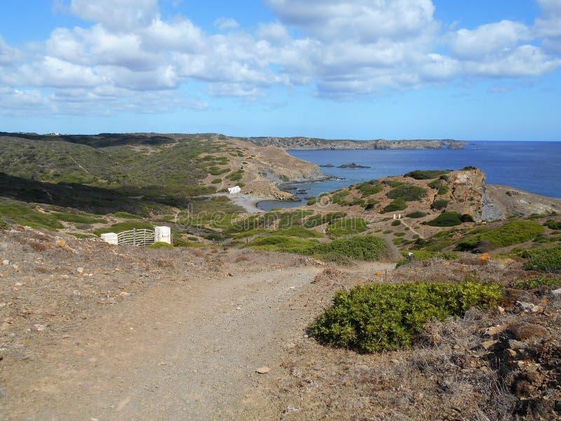 Bild der K?ste der Insel Baeutiful Menorca in Spanien Ein nat?rliches Paradies stockbilder