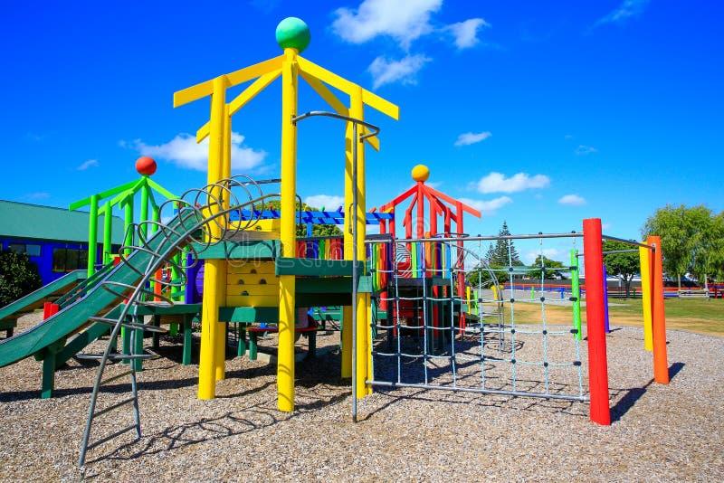Bild des bunten Spielplatzes mit Ausrüstung, Levin, Neuseeland stockfotos