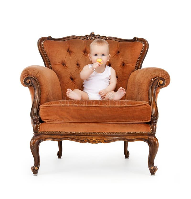 Baby mit großem Lutscher lizenzfreie stockfotos