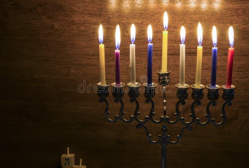 Bild des jüdischen Feiertags Chanukkas mit einem menorah stockbilder