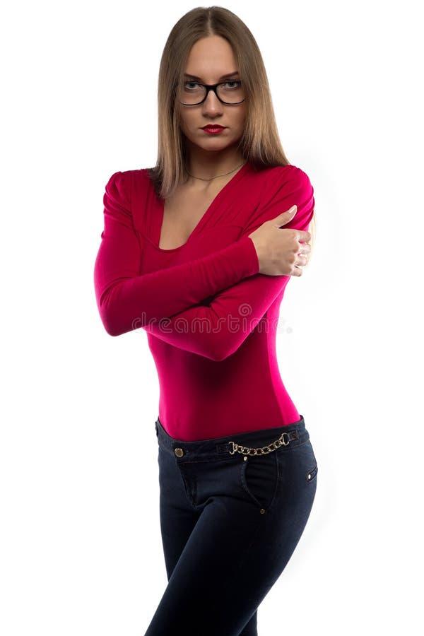 Bild des Umarmens der Frau im roten Hemd stockbild