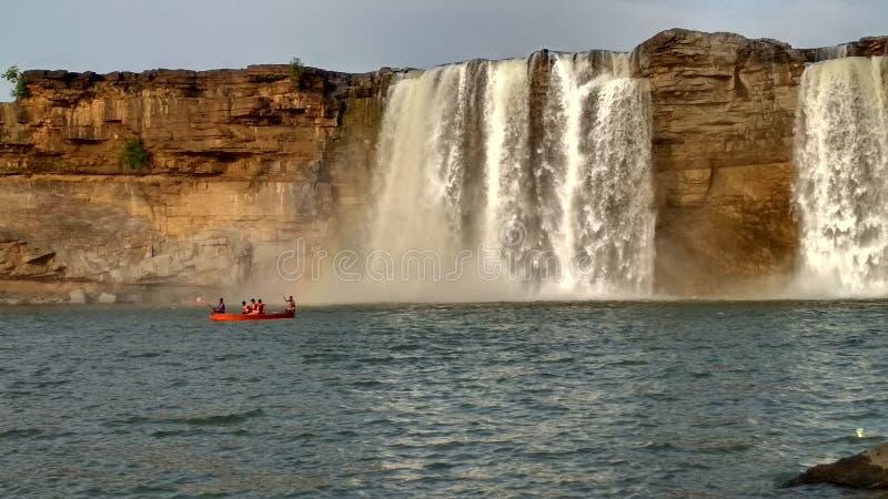 Bild des Wasserfalls, seine Blicke schön lizenzfreie stockbilder