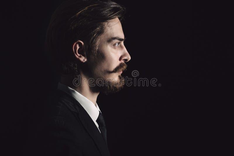 Bild eines eleganten jungen Mannes lizenzfreies stockfoto