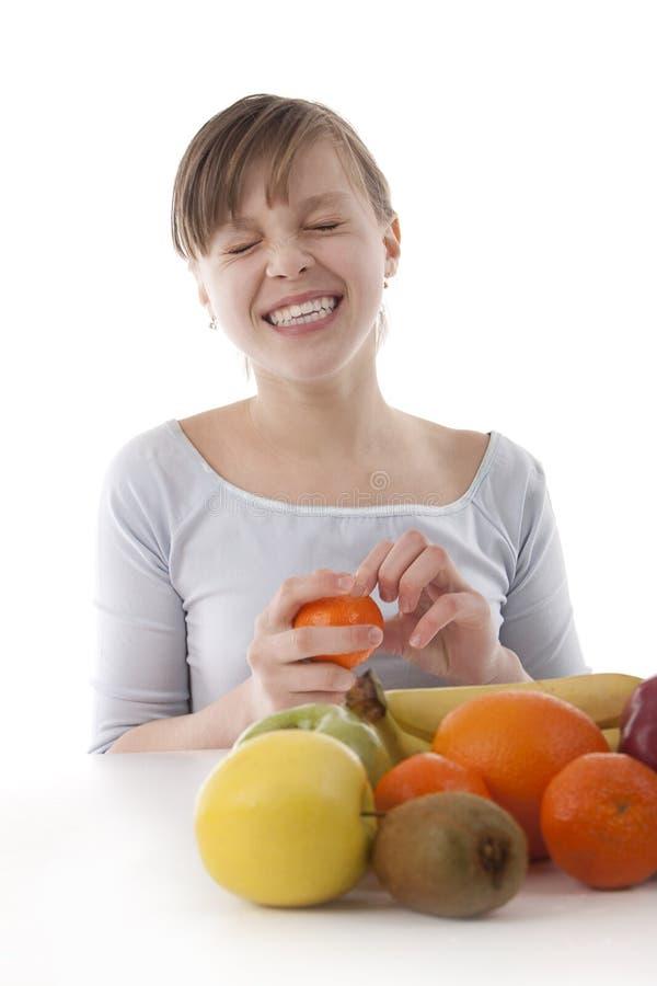 Bild Eines Mädchens Mit Frucht Lizenzfreies Stockfoto