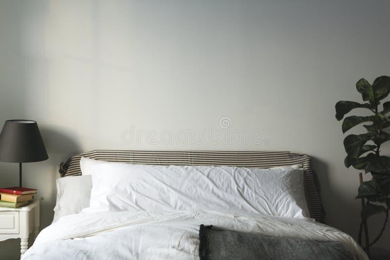 Bild eines sauberen Schlafzimmers stockfotografie