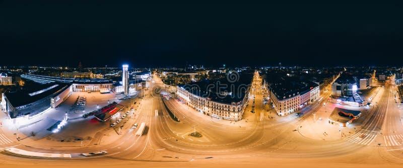 Bild för surr för nattRiga stad 360 VR för virtuell verklighet, panorama arkivbild