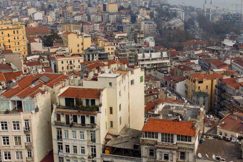Bild från över av staden med hus med röda tak fotografering för bildbyråer