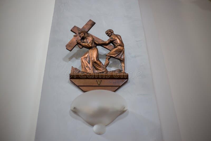 Bild von Jesus das Kreuz tragend lizenzfreies stockfoto