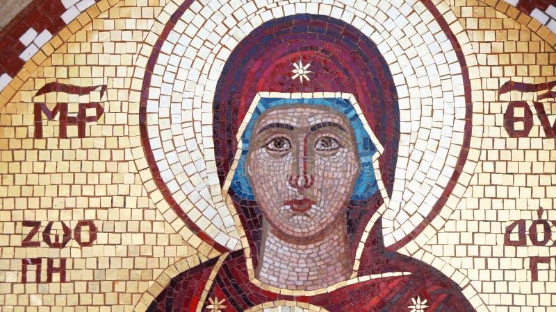 Bilden av den heliga modern av religionen för gudmosaikfreskomålning royaltyfria bilder