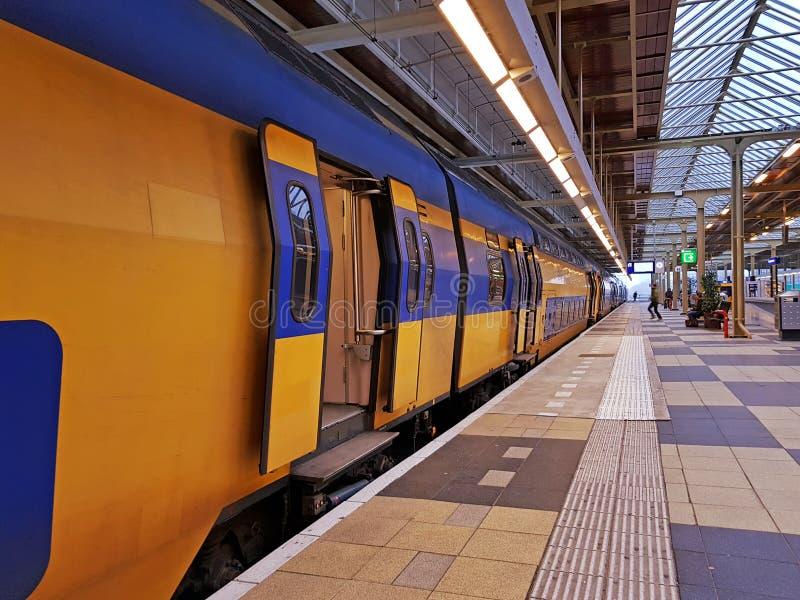 Bilden Sie die Abreise von Amstel-Station in Amsterdam die Niederlande aus lizenzfreies stockfoto
