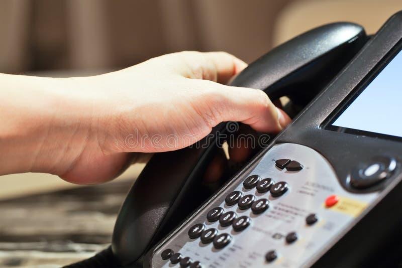 Bilden Sie oder empfangen Sie einen Aufruf. lizenzfreie stockbilder