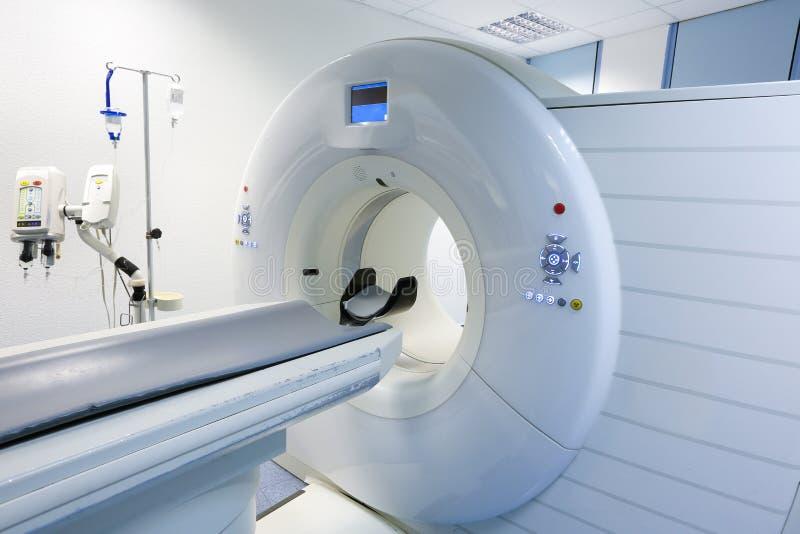 Bildläsare för CT (beräknad tomography) i sjukhus arkivfoto