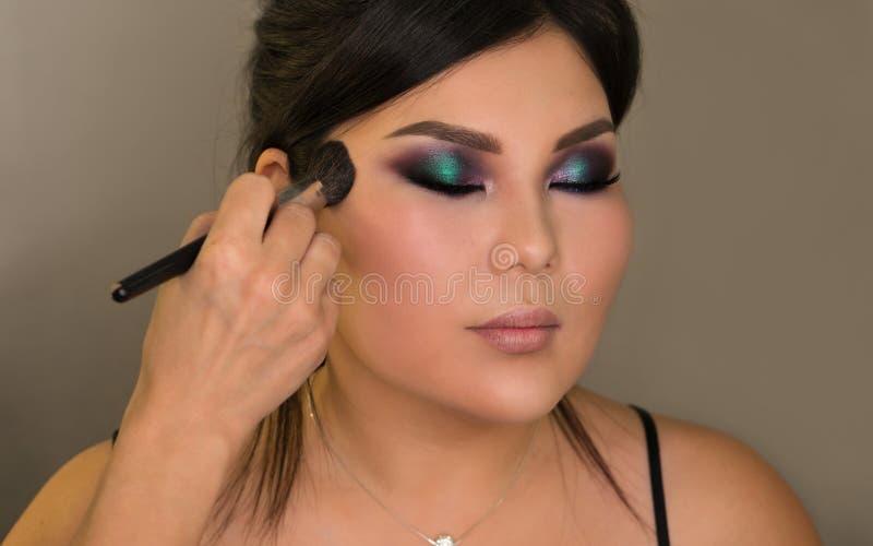 Bildskapelseprocess makeup fotografering för bildbyråer
