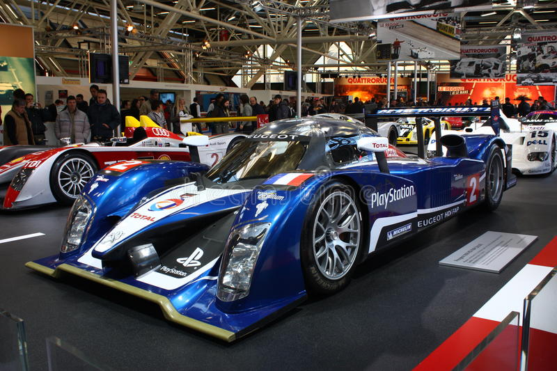 bilen Le Mans peugeot för 24h 908hdi race arkivfoton