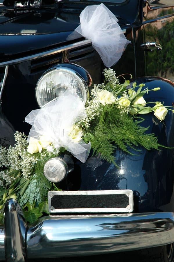 bilgarneringbröllop royaltyfria bilder