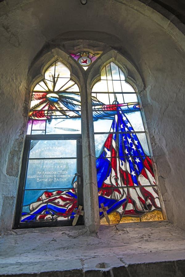 Bill Fiske Dedication Window i Boxgrove priorskloster royaltyfri bild