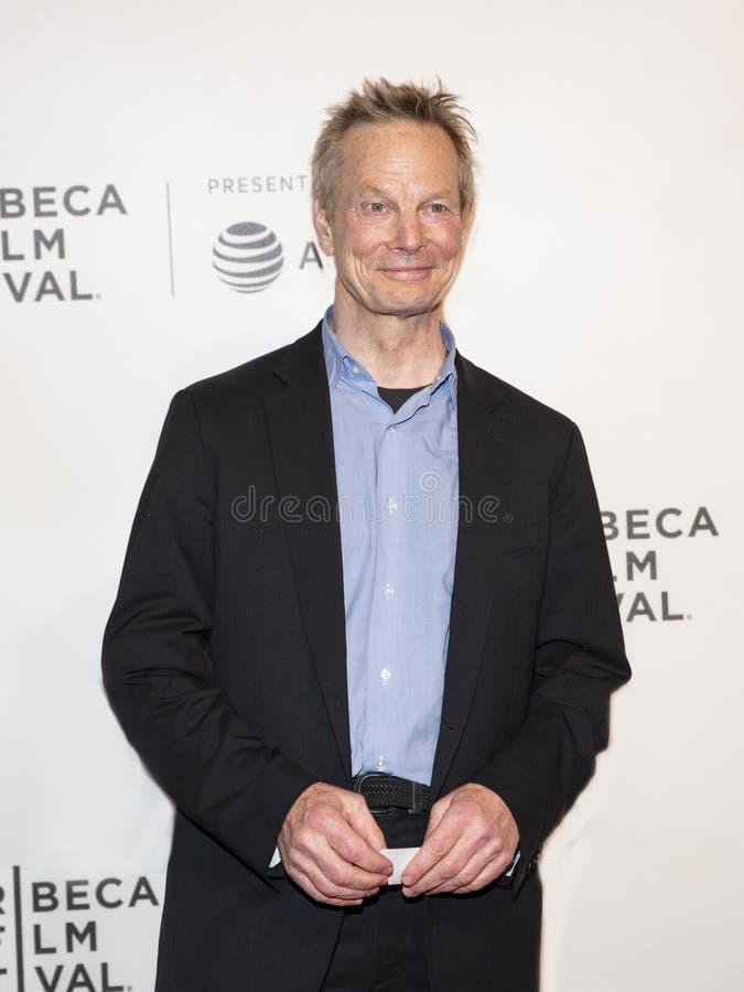 Bill Irwin en la premier de ?ella toma un loco ?en el festival de cine 2019 de Tribeca foto de archivo