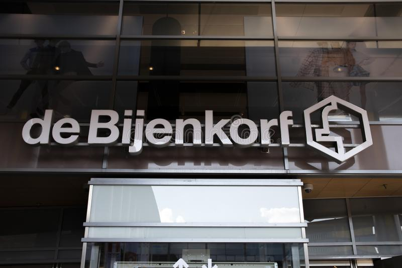 Billboard De Bijenkorf At Amstelveen i Paesi Bassi 2019 fotografie stock libere da diritti