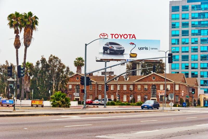 Billboard Toyota Yaris w śródmieściu Los Angeles obrazy royalty free