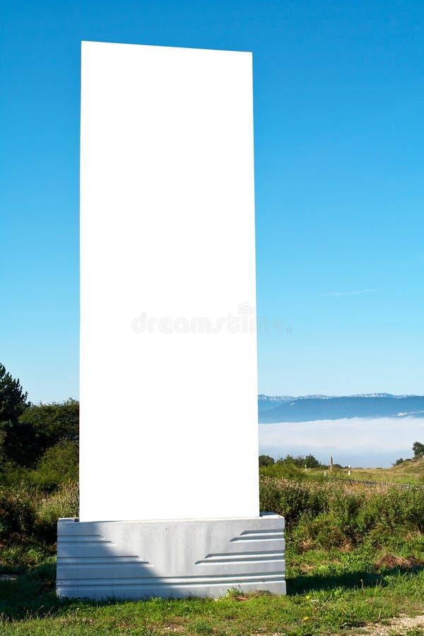 billboardu ślepej błękitne niebo. zdjęcia royalty free